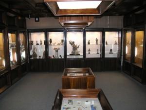 В музее Самоцветы