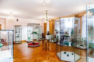 В музее истории камнерезного и ювелирного искусства