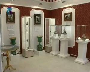 Зал Музея камнерезного и ювелирного искусства