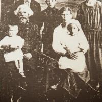 Данила Зверев в кругу семьи